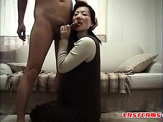 japanese become man licking ass02