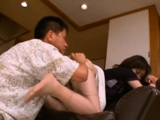 Curvy japanese honey goes down on knob and rides industriously